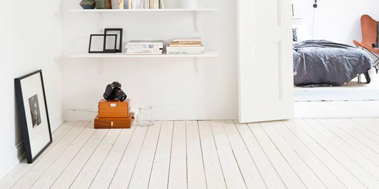 5x een minimalistische witte vloer in huis for Witte vloer