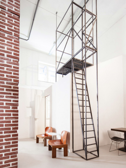 hotels in amsterdam voor iedere portemonnee. Black Bedroom Furniture Sets. Home Design Ideas