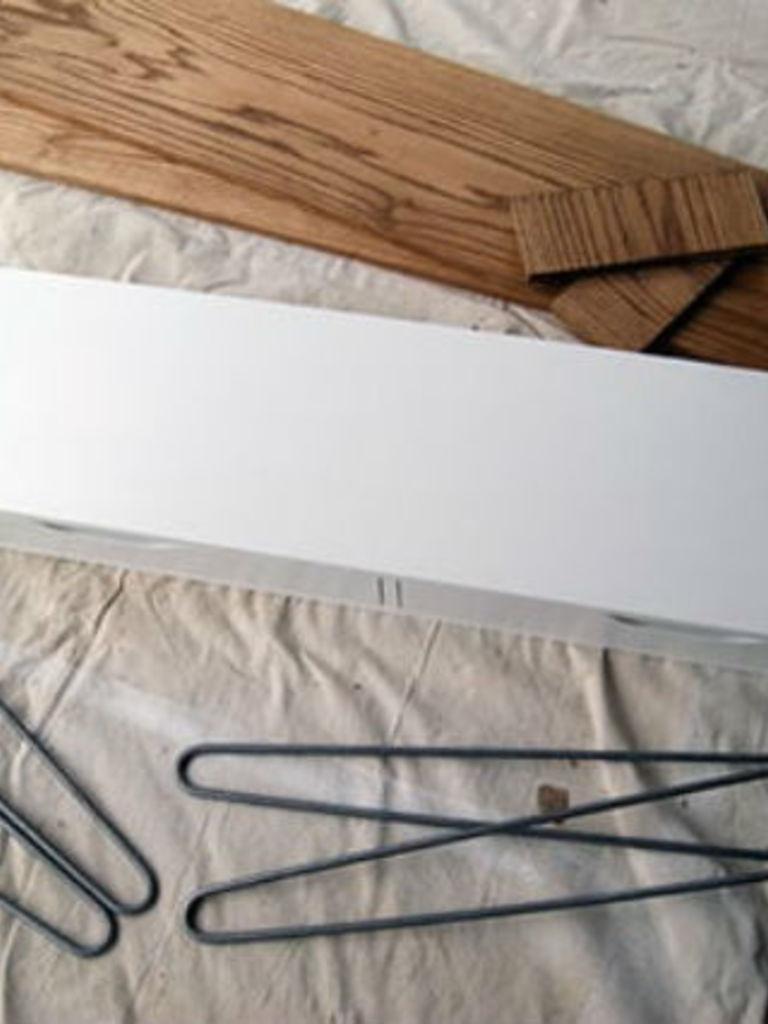 Ikea hack: van wandplank tot retro bureau