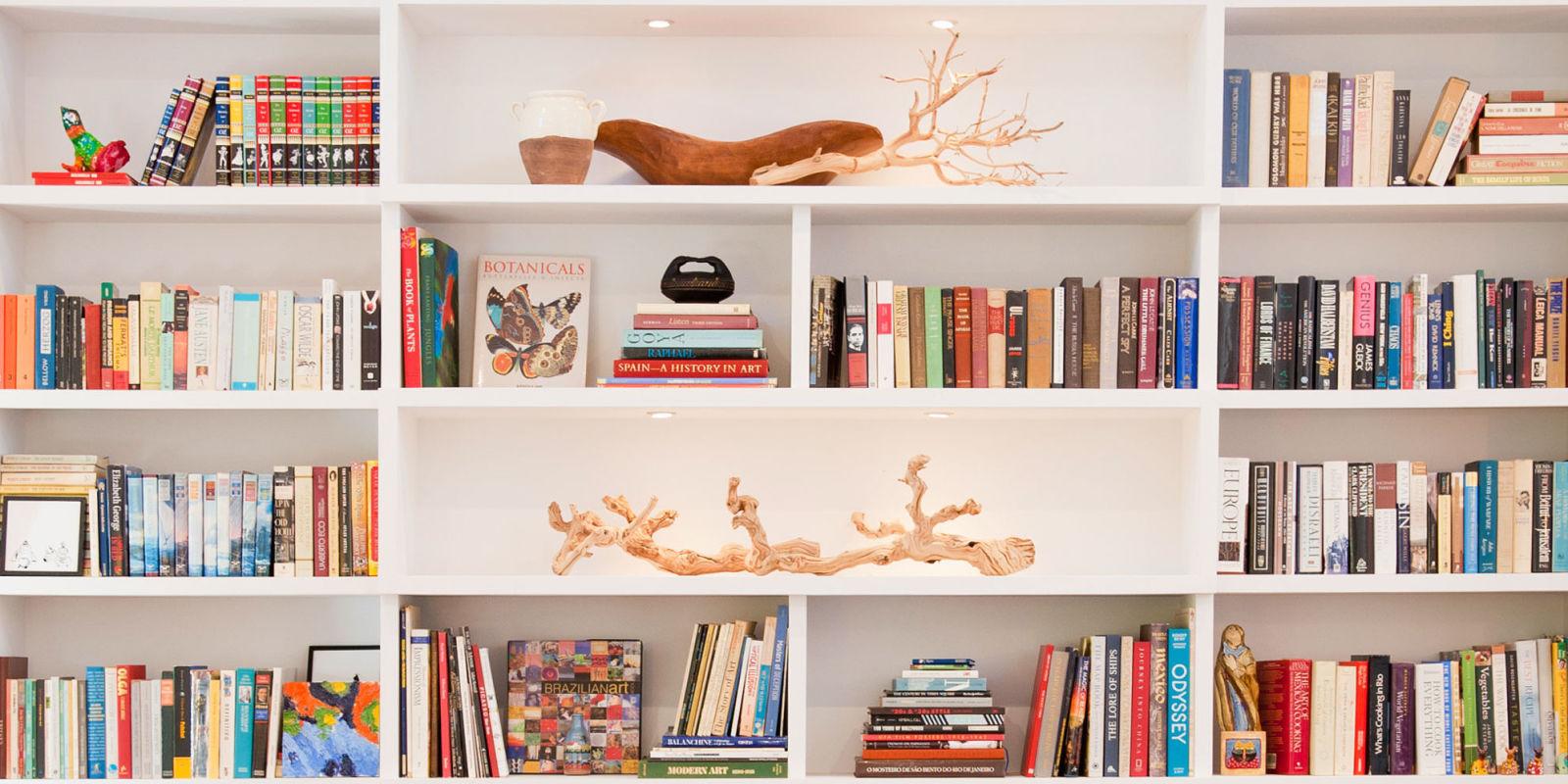 10 tips voor het stijlvol inrichten van een open kast - Kast voor het opslaan van boeken ...