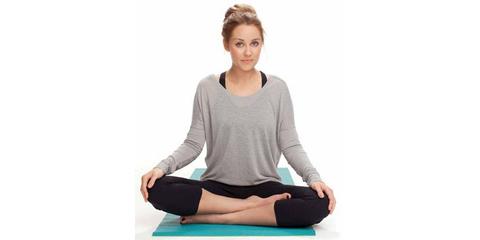 6 yogaposes die je helpen sneller in slaap te vallen